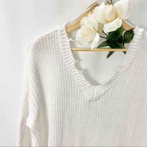 💜 XXI Distressed Knitted Sweater Off White